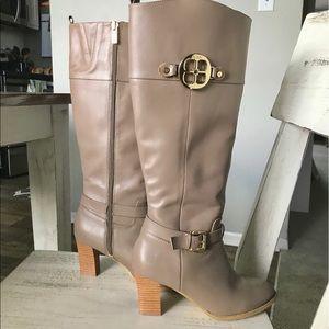 IMAN Platinum ROCK THE RUNWAY Zip Leather Boots, 6